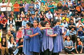 JNU celebrates street theatre with Sahmat
