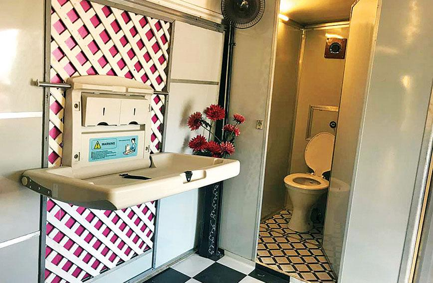 Old bus, new restroom! In Pune women get toilets - Civil Society