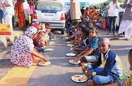 Model Langar: Healthy, by volunteers and eco-friendly